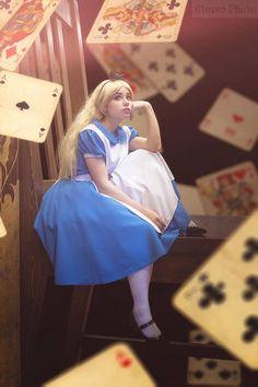 Alice in wonderland (alice in wonderland) . Alice In Wonderland Photography, Alice In Wonderland Artwork, Alice In Wonderland Aesthetic, Adventures In Wonderland, Alice In Wonderland Costume, Alice Cosplay, Alice Costume, Disney Cosplay, Cosplay Dress