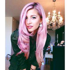 Instagram @Eva Koninckx Lina Barry   Pink unicorn hair