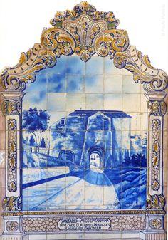 Estação de Caminho de Ferro, na Ribeira de Santarém. Azulejos da autoria de J. Oliveira, 1927 Portuguese Tiles, Tile Murals, Santa Clara, Lisbon, Home Art, Miniatures, Blue And White, Education, Country