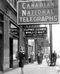 CN Telegraph office in Toronto, circa 1941.
