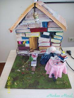 Cadı ve kitaplardan yapılmış evi