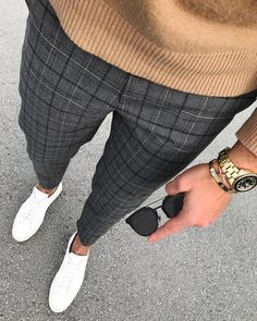 Light brown jumler with casual plaid pants for 2018 mens outfit - Men's style, accessories, mens fashion trends 2020 Mode Outfits, Casual Outfits, Men Casual, 2018 Men Outfits, Summer Outfits, Plaid Pants Outfit, Mens Plaid Pants, Dress Pants For Men, Man Pants