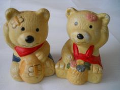 Teddy Bears Salt and Pepper Shakers - vintage, collectible, serving, kitchen, bears