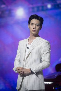 "Seo Kang Joon in ""Are you human too"" series. Gong Seung Yeon, Seung Hwan, Seo Kang Jun, Seo Joon, Seo Kang Joon Wallpaper, Kim Myungsoo, Handsome Korean Actors, Kdrama Actors, Ji Chang Wook"