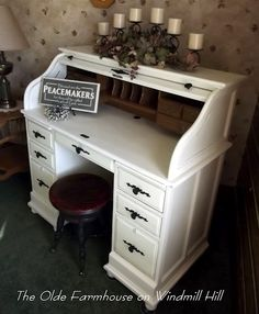 Diy Desk Makeover Upcycling Home Office 69 Ideas - Dıy Desk vintage Ideen Desk Redo, Desk Makeover, Diy Desk, Furniture Makeover, Furniture Projects, Furniture Making, Home Projects, Diy Furniture, Cottage Furniture