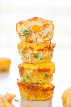 100-Calorie Cheese, Vegetable and Egg Muffins (GF) - Healthy, easy & only 100 calories! You'll want to keep a stash on hand!