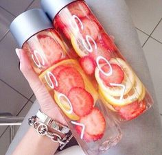 For a detox that'll only take a day, take fresh cut strawberries and lemons + put them in ice water! The next day you'll have a delicious detox drink that'll cleanse your digestive track AND promote healthy, flawless skin!