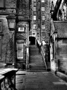 Edinburgh,  the passage to get into Mylne´s Court. by Fabian  http://f-a-b-s.deviantart.com/#/d1dip2l