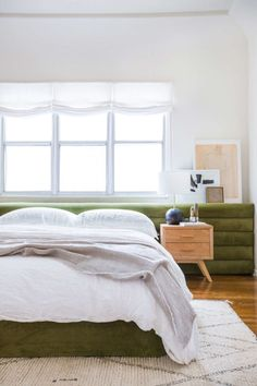 9 DIY Headboard Ideas That Will Make you Forget It's Monday. #headboards #bedrooms #diyheadboards #diyfurniture #modernbedrooms