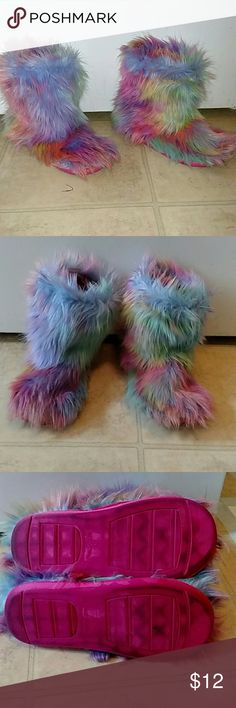 Warm retro fuzzy slippers sz 7 Size 7, retro slippers.  Slightly worn but in excellent condition.  Hard sole bottom to protect your feet and beautiful vibrant colors to lighten anyone's mood Shoes Slippers