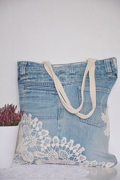 SHABBY Chic denim tote bag with lace detailing // recycled denim – upcycled bag // handbag for women – romantic and feminine fl - Denim Diy Denim Tote Bags, Denim Purse, Look Casual Chic, Jean Purses, Recycle Jeans, Repurpose, Denim Ideas, Denim And Lace, Handmade Bags
