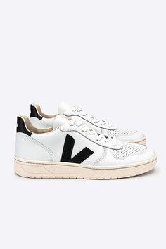 7a4b1e211f4da v-10 sneaker extra white black by Veja – thegreenlabels.com