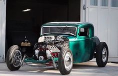 """Here is another old hot rod that is due for a comeback at the #gnrs2016! Lew Thompson's #1932fordhotrod won the """"Competition Coupe"""" class at the show in 1953! @atlas_speed has brought it back to life and will bring it to this years show! A full featured story is in the works at #kustomrama! #modestocenturytoppers #kustomrama2016"""