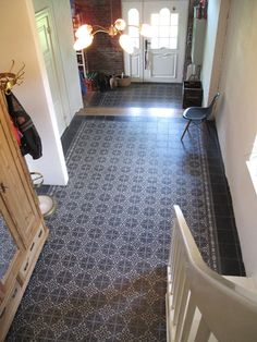 - add-on trap - # add-on trap # tegels - Anbau Ideen - Tiled Hallway, Hallway Flooring, Style At Home, Reading Room Decor, Hallway Inspiration, Farmhouse Remodel, House Tiles, Cottage Interiors, Construction