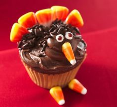 INGREDIENTS:  1 box Betty Crocker® SuperMoist® devil's food cake mix  Water, vegetable oil and eggs called for on cake mix box  2 containers Betty Crocker® Rich & Creamy milk chocolate frosting  1 tube (4.25 oz) Betty Crocker® white decorating icing  #turkey #turkeyrecipes #christmasturkey
