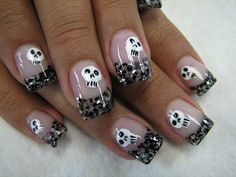 DIY halloween nails: DIY Halloween nail art : Glitter Blackened French tips with Skulls