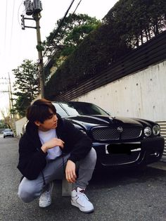 Save your SOULS because Jungkook posted a picture!! I will SPAMMING YOU ALL BE READY!!