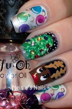 Love the Christmas tree nail