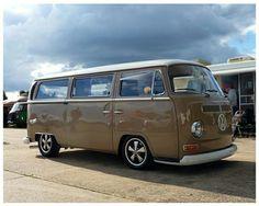 vw❤︎№2 Vw T2 Camper, Vw Bus T2, Volkswagen Bus, Combi Vw T2, Coffee Van, Vw Bugs, Bays, Vw Beetles, Bay Window