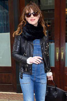Dakota arrasou no estilo com seus óculos de sol! #vem #buscar #o #seu #oticas #wannny www.oticaswanny.com