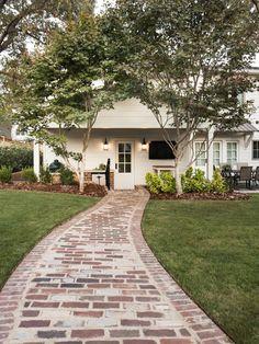 35 Amazing Cottage House Exterior Design Ideas - About-Ruth Brick Pathway, Concrete Walkway, Brick Pavers, Flagstone Paving, Paving Stones, Mosaic Walkway, Cobblestone Walkway, Wooden Walkways, Concrete Houses