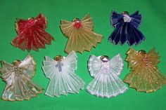 wire edged ribbon angels..oh how I do so love wire edged ribbon!