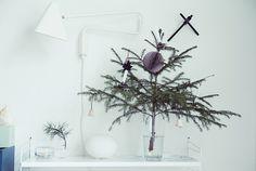 Minikuusi // Mini christmas tree   http://maijusaw.indiedays.com/2014/12/11/mini-size-x-mas-tree/