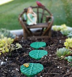 Fairy Garden Stepping Stones with Bumble Bee - Miniature Accessory Fairy Garden Supplies