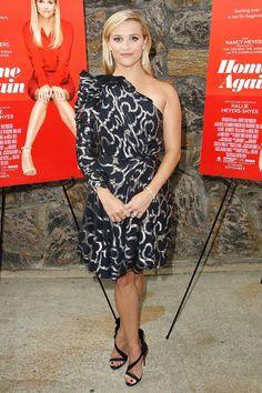 Риз Уизерспун в платье Isabel Marant на премьере фильма В гостях у Элис в Ист-Хэмптоне