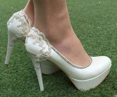 LAST SIZE SALE  **** % 20 *** Ivory Wedding  Shoes ,Wedding High Heels With  Ivory Lace Appliques,  Bridal Shoes, Wedding Shoes by KILIGDESIGN on Etsy