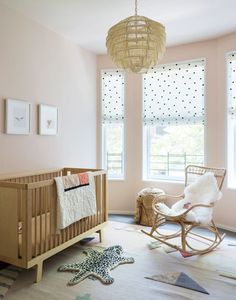 Sweet, Sleek, And Totally Chic Nursery Design Ideas Bedroom Design Making your nursery design your own does not have to be a very complicated thing. It just involves some thought, imagination, and a little creativity. Ux Design, Home Design, Design Ideas, Chic Nursery, Nursery Room, Nursery Ideas, Room Baby, Baby Bedroom, Girl Nursery
