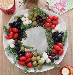 This antipasti platter is perfect for holiday parties! Share how you're celebrating by usingfrom This antipasti platter is perfect for holiday parties! Share how you're celebrating by using Christmas Party Food, Christmas Lunch, Xmas Food, Christmas Appetizers, Christmas Treats, Christmas Baking, Holiday Parties, Antipasti Platter, Charcuterie