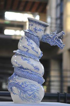 Easy Clay Sculptures : Artworks of Johnson Tsang Easy Clay Sculptures, Sculpture Art, Carillons Diy, Johnson Tsang, Dragons Love Tacos, Keramik Vase, Japanese Pottery, Dragon Art, Chinese Art