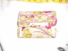 "Vera Bradley trifold wallet ""MAKE ME BLUSH"" retired pattern April 2010-June 2011 #VeraBradley #Trifold"