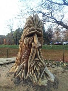 old man tree stump Wood Carving Faces, Tree Carving, Wood Carving Art, Wood Carvings, Tree Sculpture, Garden Sculpture, Tree Faces, Tree Stump, Tree Art