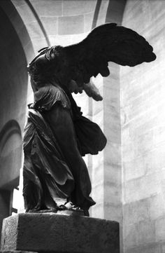 Winged Victory of Samothrace, century BC marble sculpture of the Greek goddess Nike (Victory). Winged Victory Of Samothrace, Angels Among Us, Looks Cool, Louvre, Pet Portraits, Beautiful Images, Sculpture Art, Victorious, Art Photography