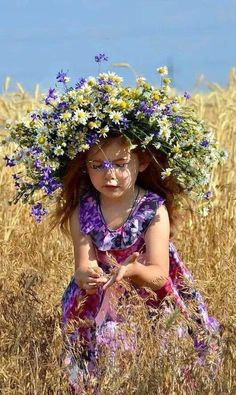 Flowers photography girl children 29 ideas for 2019 Girl Power Tattoo, Blue Drawings, Acevedo, Flower Tattoo Foot, Flower Sketches, Wedding Table Flowers, Flower Girl Hairstyles, Hand Drawn Flowers, Flower Fashion