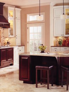Fresh Cream Glazed Kitchen Cabinets Pictures