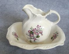 Victorian-style pitcher and basin - the old-school sink!
