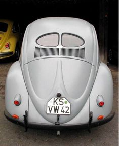 Vintage Cars, Antique Cars, Car Volkswagen, Vw Beetles, Hot Cars, Bugatti, Cars And Motorcycles, Classic Cars, Vehicles