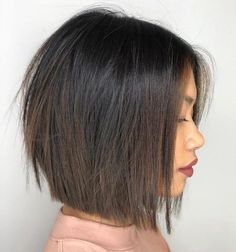 Bob Style Haircuts, Medium Bob Hairstyles, Layered Hairstyles, Bob Hairstyles Brunette, Hairstyles Haircuts, Choppy Haircuts, Brunette Bob Short, Blunt Cut Hairstyles, Brunette Bob Haircut