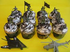 army cupcakes army themed cupcakes for a boys 7th birthday cookies and ...