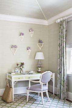 The Glam Pad: Kemble Interiors Revives a Palm Beach Retreat Houston, Interior Styling, Interior Design, Desk Layout, Bedroom Green, Master Bedroom, Girls Bedroom, Little Corner, Beautiful Interiors