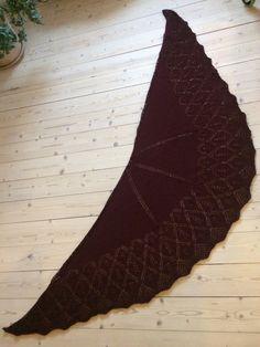 Sjal lavet af uldgarn fra Stof og Stil