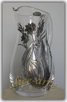 JARRA DE AGÜA Pewter Art, Pewter Metal, Aluminum Foil Art, Aluminum Metal, Feuille Aluminium Art, Decorated Wine Glasses, Embossing Techniques, Metal Embossing, Tin Art