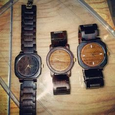 MA'WA wooden watch  jam tangan kayu MA'WA  Local product of Jember PO : 15 days max.  Minat DM/telp/WA : 081298555213 Made by Order  Spesifikasi produk : - Indian Rosewood/ebony makasar - Lebar/tebal case : 41/12cm - Panjang keseluruhan/lingkar pergelangan : 23 cm - Lebar strap : 25 cm - Quarts movement : Miyota japan - Water splash/hanya tahan cipratan air - Finishing : Linseed oil (alami tanpa cat/aman di kulit) - Unisex/pria wanita  #hobijam #jamtangan #jamtangankayuindonesia #woodwatch…