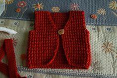 Ravelry: Petits cashmere - 1. Gilet en côtes brisées pattern by La Droguerie