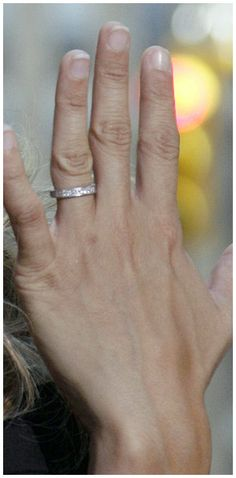 Exclusive Carrie Underwood Wedding Ring as Booming Worthy-  Are you a fan of country pop-stars? Well, you will be surely not strange with everything that is to understand and know about them. One of the most po...