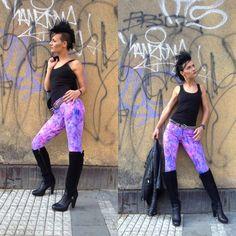 Punki leggings - Merkurio by Petr Jáchym www.petrjachym.cz Leggings, Fashion Shoes, Sporty, Textiles, Unique, Pants, Trouser Pants, Women's Pants, Fabrics