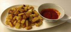 Patatas Bravas (Spanish Crispy Potatoes with Spicy Sauce)